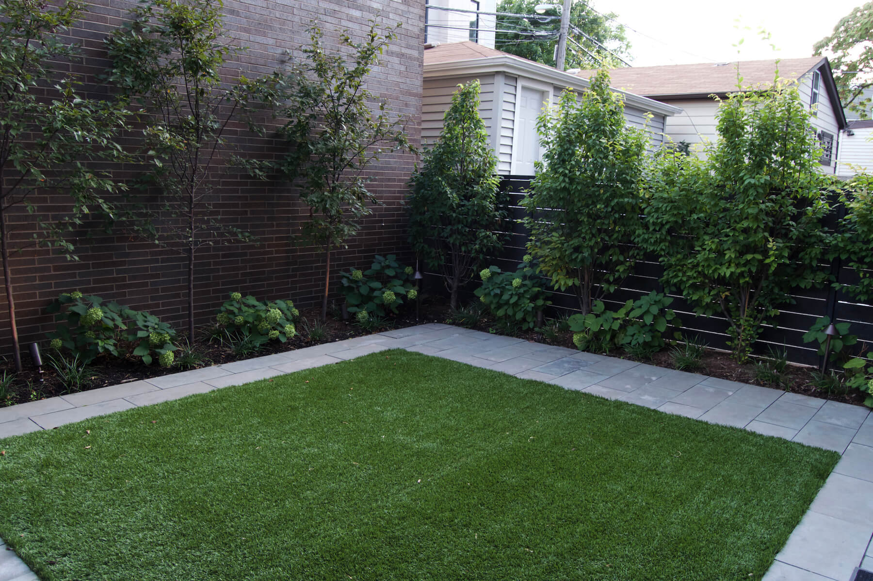 artificial-grass-installed-wicker-park-chicago