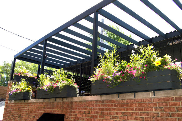 outdoor-dining-veranda-west-town-chicago