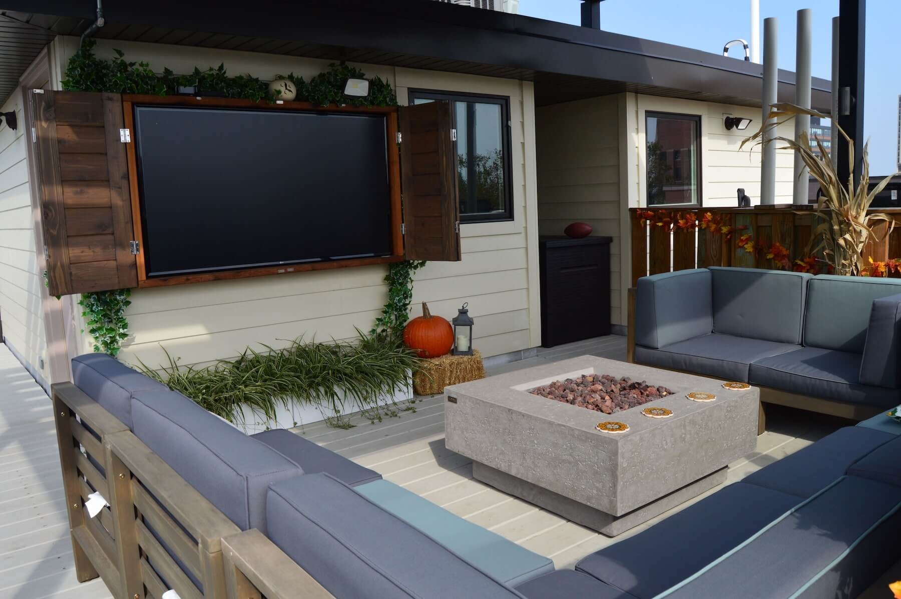 roof deck lounge fire pit outdoor tv chicago il
